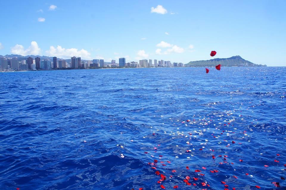 ハワイ・オアフ島で海洋散骨を施行させていただきました